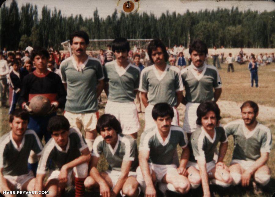 عکس قدیمی تیم انقلاب چهاربرج