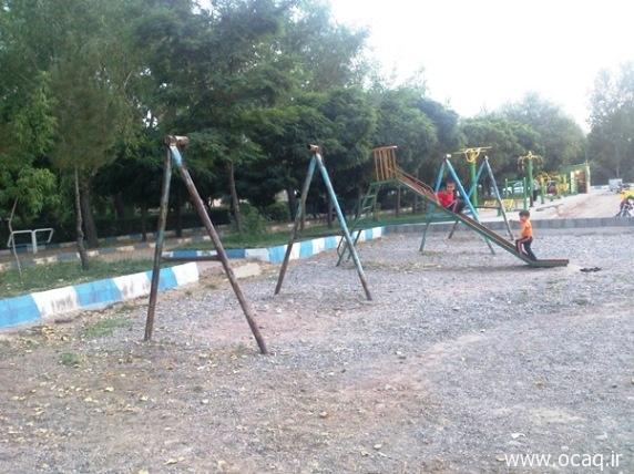 وضعیت نامناسب محل بازی کودکان در پارک چهاربرج