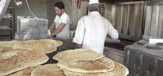 سوء مدیریت متولی جدید توزیع آرد باعث بحران نان در چهاربرج شده است